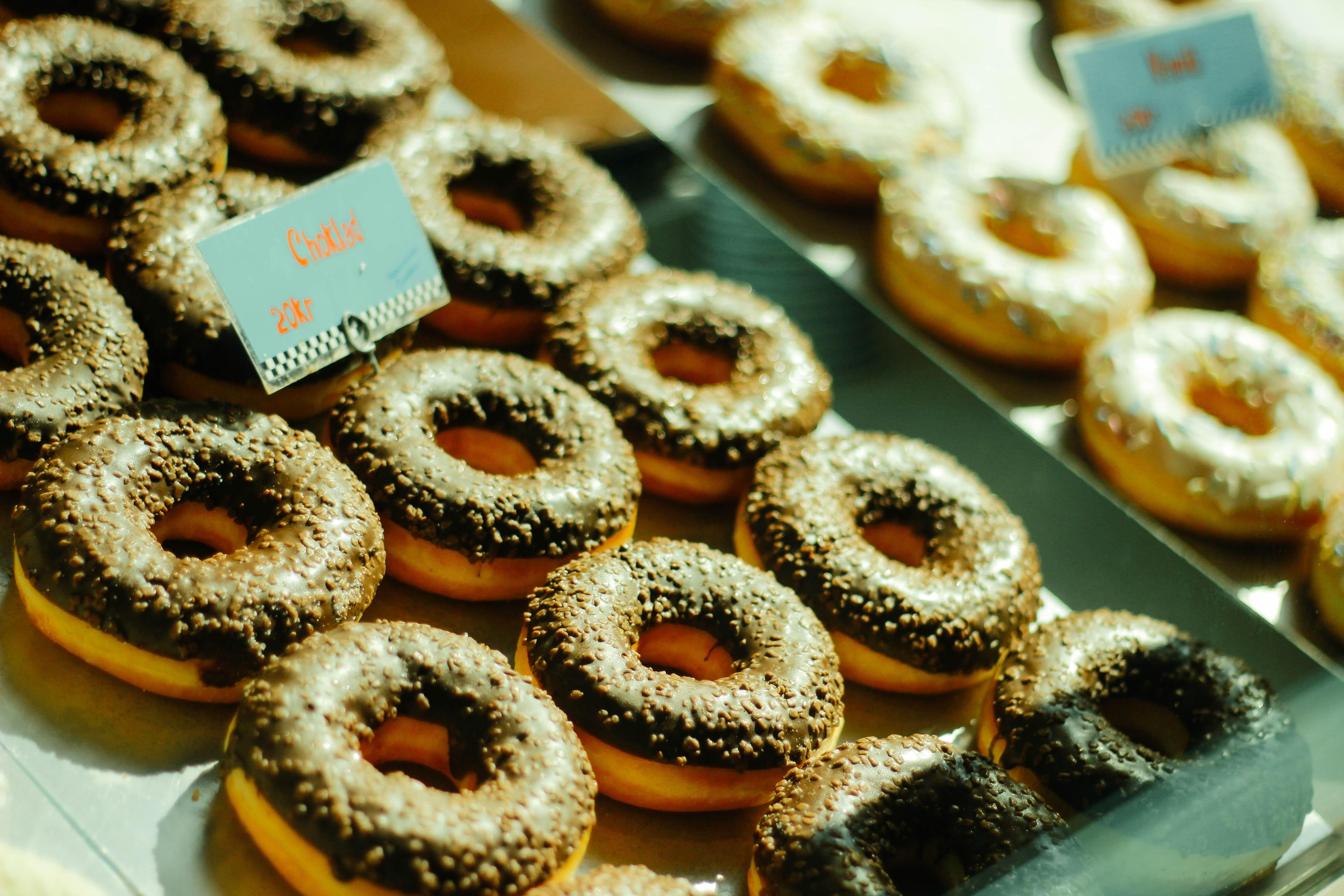 close-up-photo-of-chocolate-doughnuts-1591180